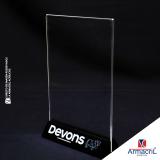 placa em acrílico transparente com logo orçamento Vila Gustavo